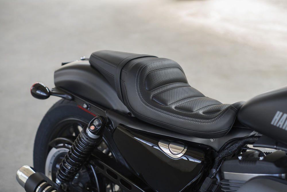 2016-harley-davidson-roadster-seat
